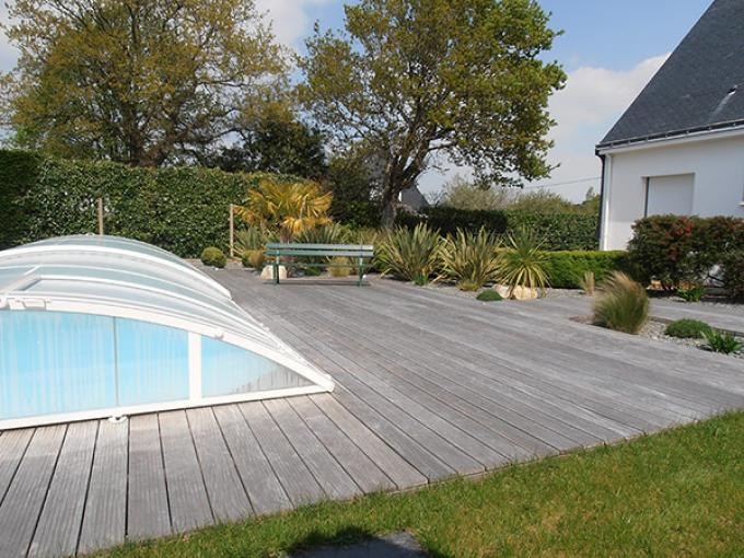Am nagement entr e maison st nazaire - Entourage piscine design ...